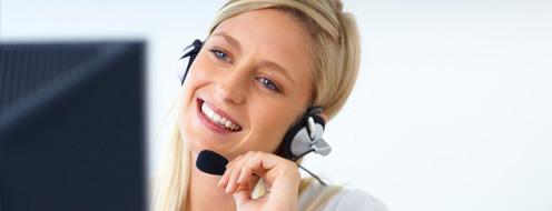 medewerker aan de telefoon