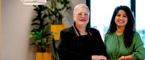 Ghita Joeglal, People enabler en Deliane Schimmel, Manager Advies & Service